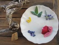 Flores de hibisco en su almíbar